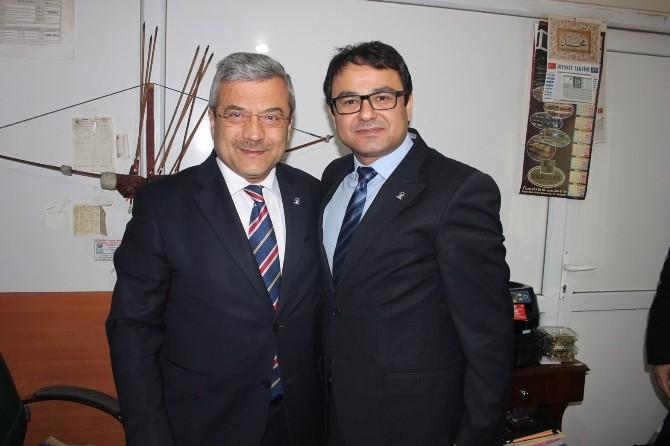 Veli Şakır, AK Parti Adaylarını Kutladı