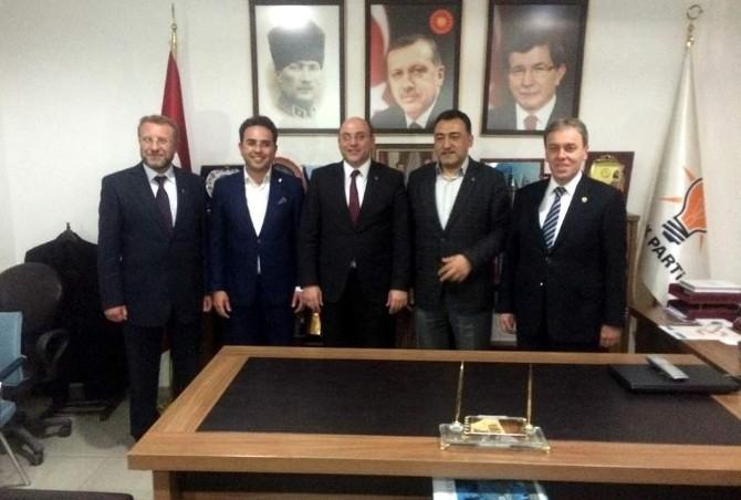 AK Parti'nin Adaylarına Tebrik Yağmuru