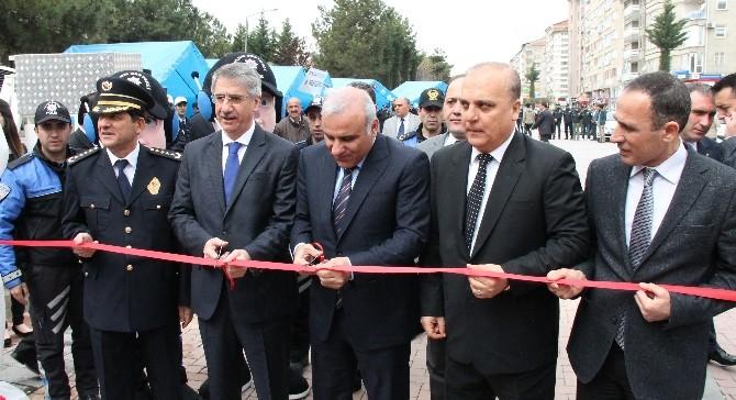 Elazığ'da Polis Sergisi Açıldı