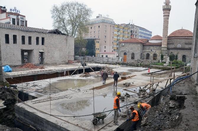 Meydan Parkı 2. Etap Çalışmalarının Yüzde 50'si Tamamlandı