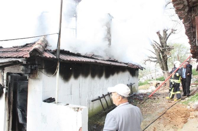 Ula'da Ev Yangın