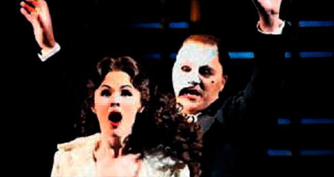 Operadaki Hayalet' seyirciyle buluştu