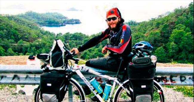 Bisiklet üstünde 5 parasız 10 bin km