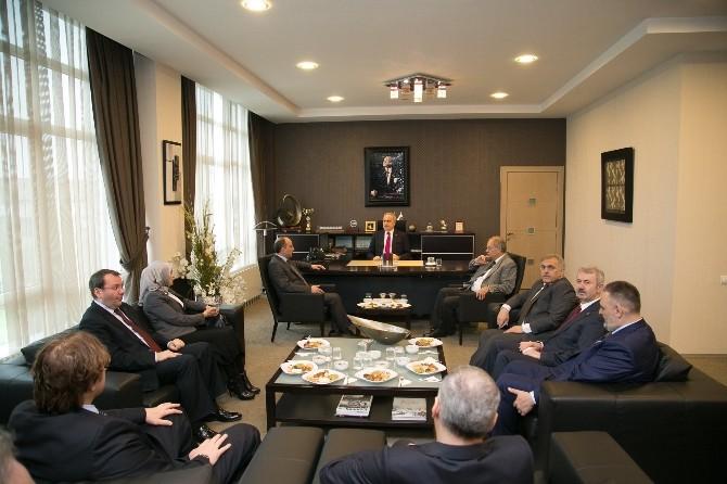 AK Parti Adayları Satso'yu Ziyaret Etti