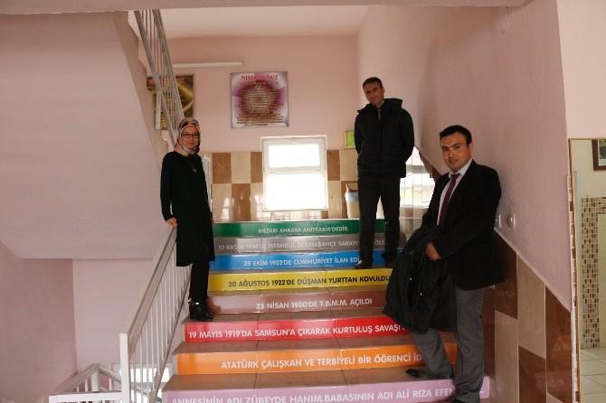 Okuldu 'Konuşan Merdivenler' Projesi