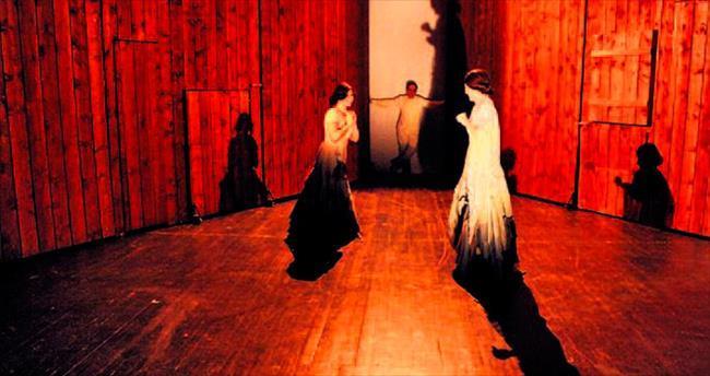 Afife ile Bedia yeniden sahnede