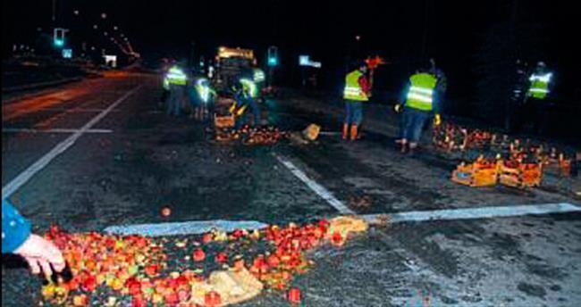 Salihli'de 500 kilo elma yola saçıldı