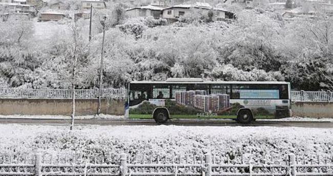Başkent'te nisan karı