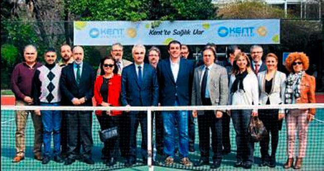 'Kent'te tenis heyecanı