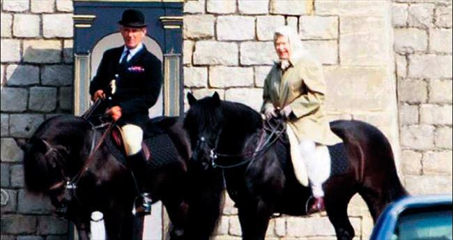 At üstünde bir kraliçe
