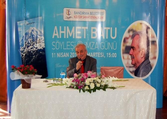 Ahmet Batu, Bandırma'da Yeni Kitaplarını İmzaladı
