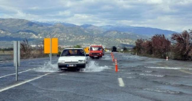 Menderes'in taşkın suları hala çekilmedi
