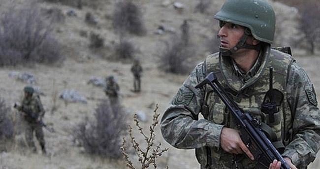 Şemdinli'de askere taciz ateşi