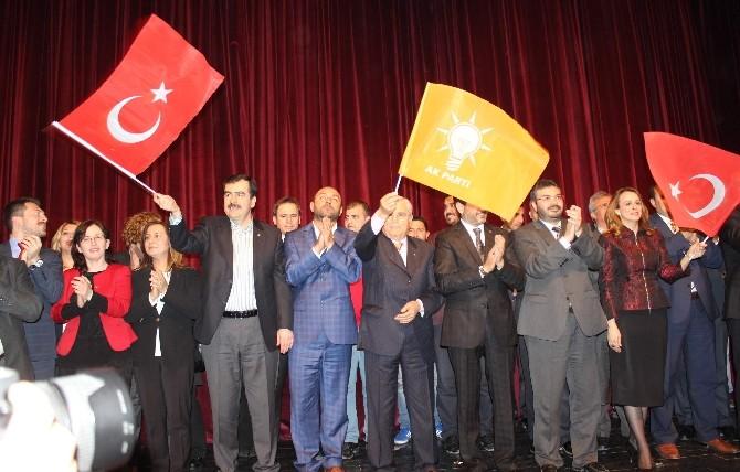 AK Parti Aydın Adaylarını Tanıttı