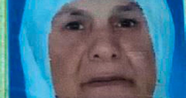Otomobilin çarptığı kadın kurtarılamadı