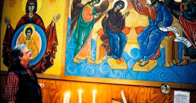 Fransa'da kendine Bizans tarzı kilise yaptı