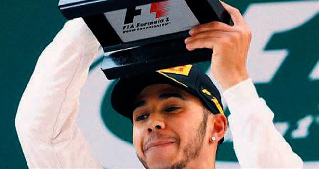 Lewis Hamilton'a yaylım ateşi
