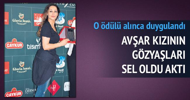 Hülya Avşar'ın gurur gözyaşı