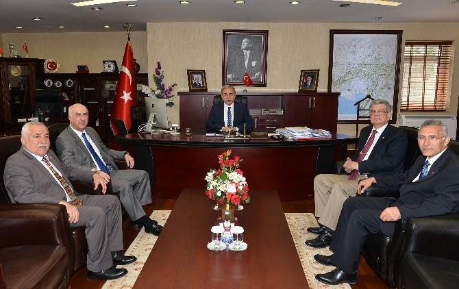 Vali Büyük Tmok Yönetim Kurulu Üyelerini Kabul Etti