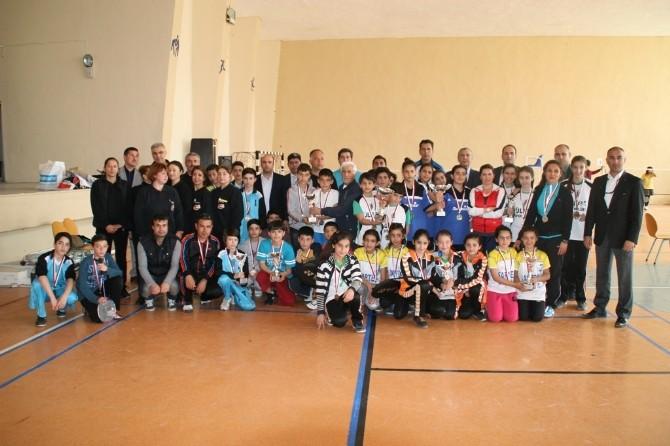 Okullararası Küçükler Badminton İl Birinciliği