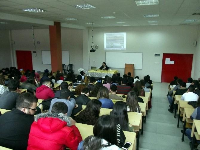 Duygu Yayman'dan ADÜ'lü Gençlere Halkla İlişkiler Dersi