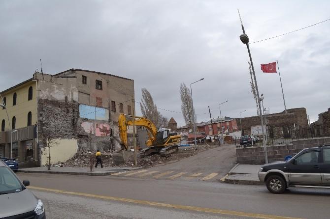 Büyükşehir Belediyesi, Kale Çevresi 'Kültür Yolu Projesi'ni Hızlandırdı