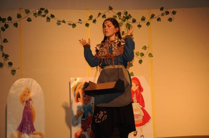 Bafra'da Ortaokullar Arası Masal Yarışması Finali Yapıldı