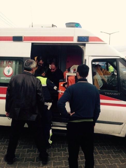Van'da Trafik Kazaları; 13 Yaralı