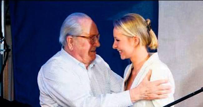 Baba Le Pen adaylıktan çekildi