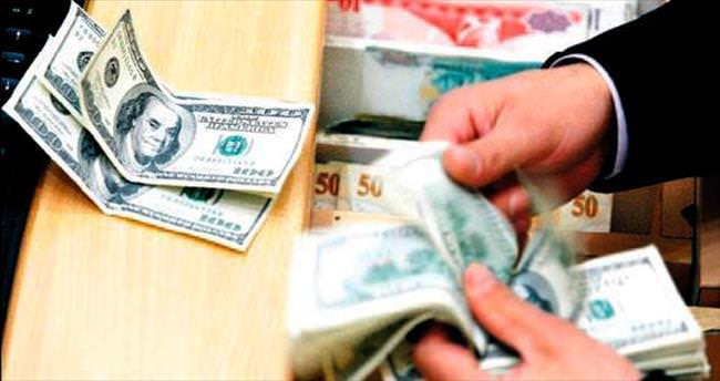 Yurtdışında kanatlanan dolar içeride de zirvede