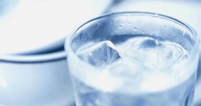 Soğuk su içmek zararlı mı?