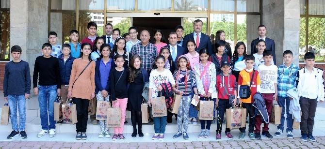 Vali Türker Nusaybin'den Gelen Öğrencilerle Bir Araya Geldi