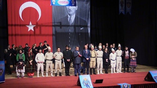 'Bir Destandır Çanakkale' Oyunu İzmir'de Sahnelendi