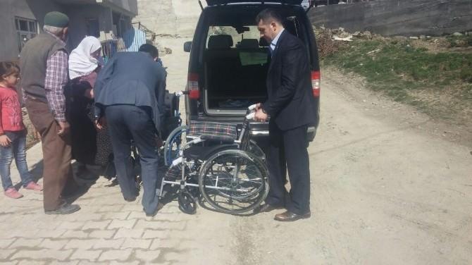 İhtiyaç Sahibi Engellilere, Tekerlekli Sandalye Dağıtıldı