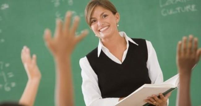 Başarısız öğretmenin memurluğu bitecek