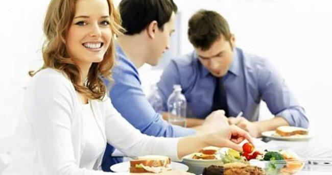 Çalışan kadınlar nasıl beslenmeli?