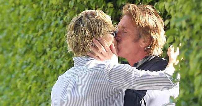 Charlize Theron: 'Sevgilim çok ateşli...'