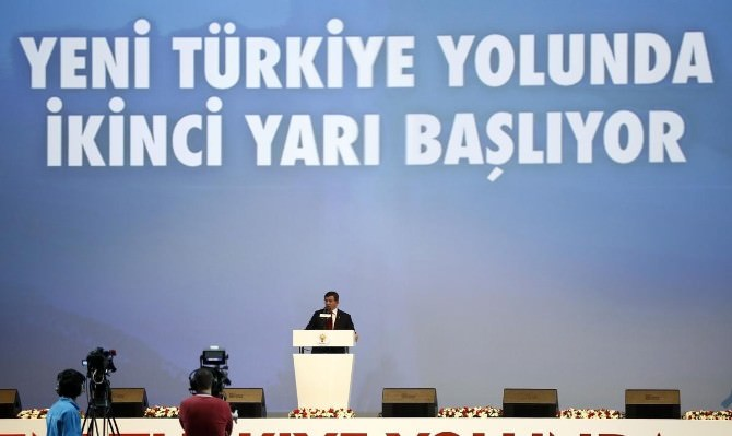 Başbakan Davutoğlu, Yeni Türkiye Sözleşmesi'ni Okudu