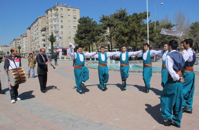 Elazığ'da Turizm Haftası Etkinlikleri 'Çayda Çıra' İle Başladı