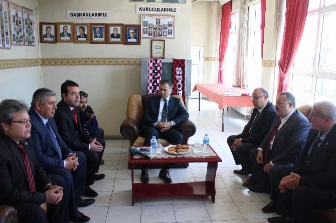 Vali Yerlikaya'dan Gaziantep Taraftarlar Derneğine İade-i Ziyaret