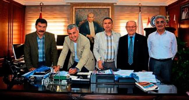 Manavgat'ta toplu sözleşme sevinci