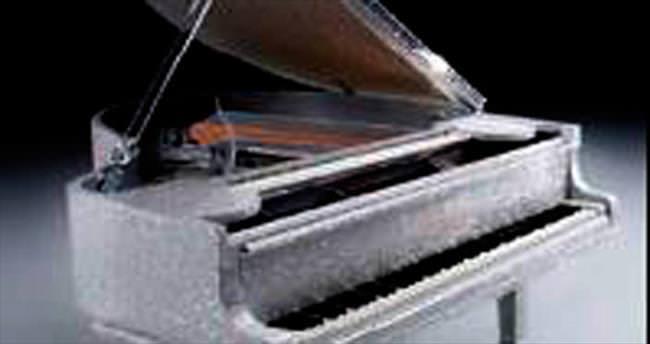 620 bin dolarlık piyano