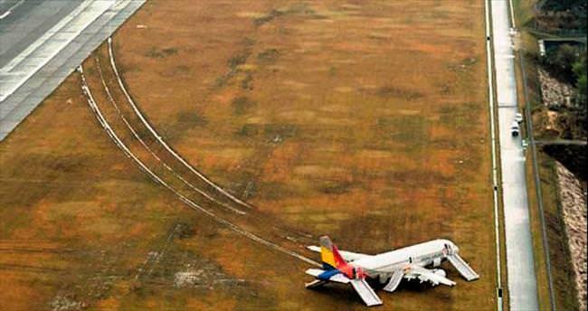 Antene çarpan uçak pistten çıktı: 27 yaralı