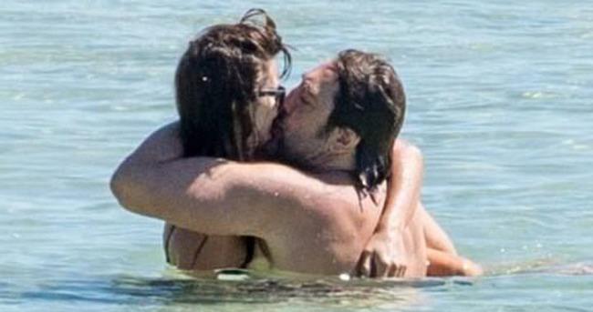 Penelope Cruz ve Javier Bardem tatilde aşka geldi