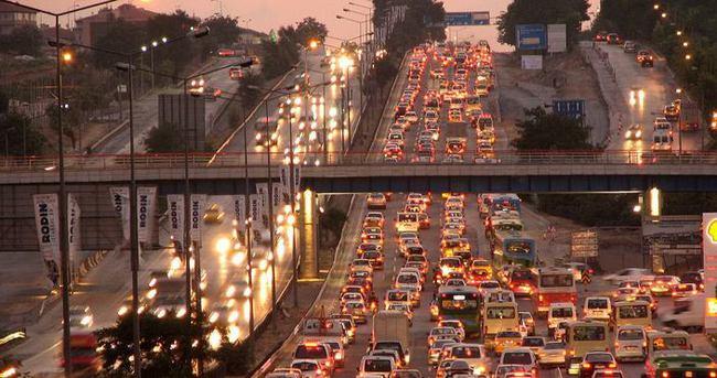 Trafiğe kayıtlı araç sayısı Şubat'ta 19 milyonu aştı