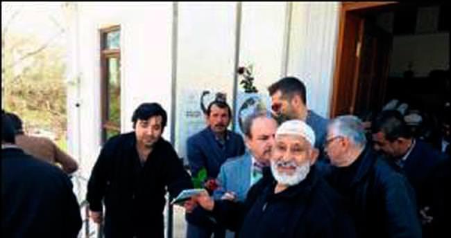 Ehli Beyt Camisi'nde Kutlu Doğum pilavı dağıtıldı