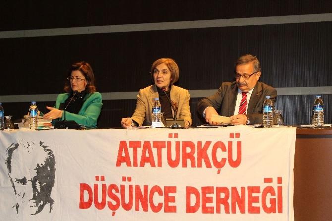 """""""100. Yılında Sözde Ermeni Soykırımı Ve Gerçekler"""" Paneli Düzenlendi"""