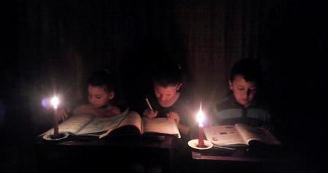 Üç kardeşin okuma azmi