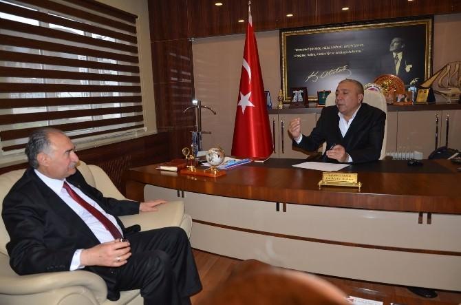 AK Parti Milletvekili Yılmaz'dan CHP'li Başkan Kılıç'a Ziyaret