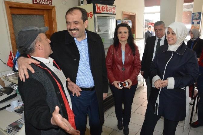 AK Parti Trabzon Milletvekili Adayları Muhammet Balta Ve Ayse Sula Köseoğlu Pazarcı Esnafı İle Buluştu